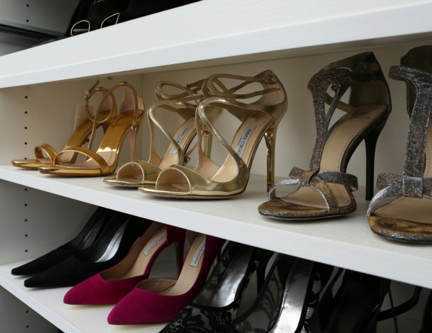 details-closet-accessories-adjustable-shoe-shelf