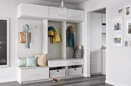 White Natural Wood Entrance way Storage with Coat Hooks Bench Seating Wicker Storage Baskets and High Gloss White Cabinet Doors