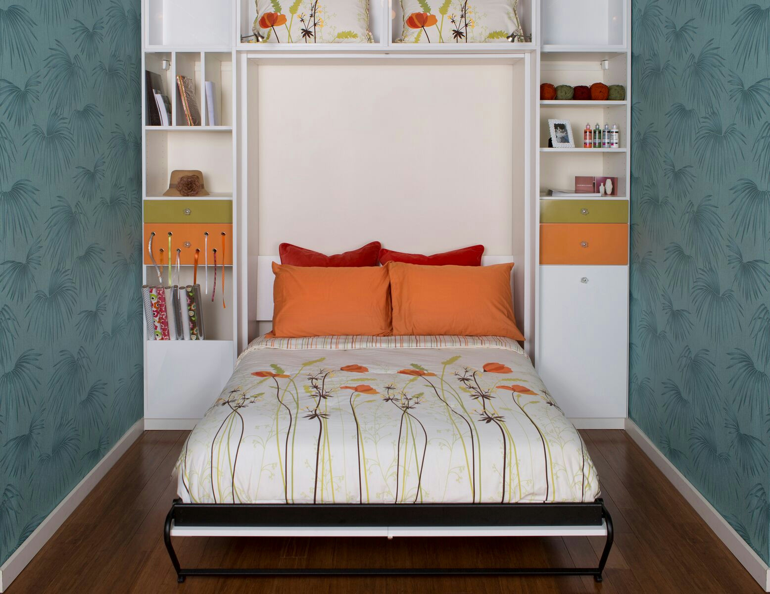 CALIFORNIA CLOSETS CHARLESTON – HOST YOUR GUESTS WITH UNIQUE MURPHY BEDS