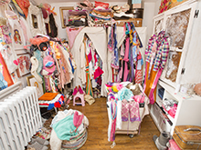 California Closets client Tiffany Pratt's disorganized closet before redesign