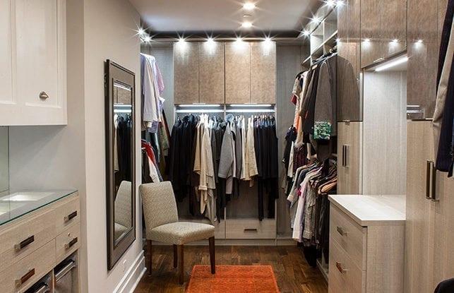 El armario con vestidor de una pareja de Chicago