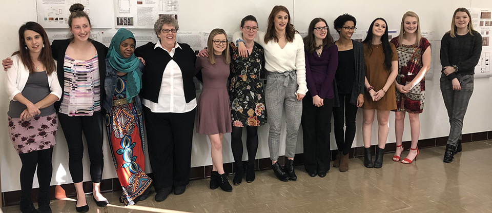 California Closets 2018 Scholarship winners posing for a picture