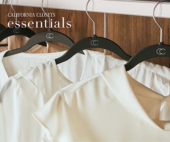PRESENTANDO<br>CALIFORNIA CLOSETS <br> ESSENTIALS